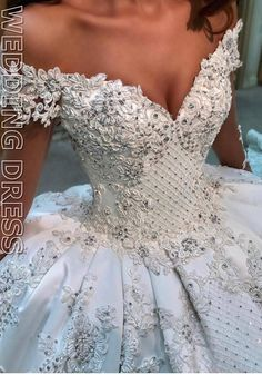 Dreaming of princess wedding dresses? Feel like royalty on your wedding day in one of these princess wedding dresses—a classic choice for brides planning a fairytale wedding. Top Wedding Dresses, Wedding Dress Trends, Princess Wedding Dresses, Bridal Dresses, Wedding Gowns, Bridesmaid Dresses, Romantic Princess, Lace Wedding, Wedding Bride