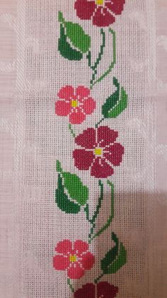 This Pin was discovered by A D Cross Stitch Boarders, Easy Cross Stitch Patterns, Simple Cross Stitch, Cross Stitch Flowers, Easy Crochet Patterns, Cross Stitch Designs, Cross Stitching, Cross Stitch Embroidery, Hand Embroidery