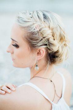 Marokkanisch inspiriert | Friedatheres.com braided bridal hair Idee und Fotografie: Indrich Fotografie Haare & Make Up: Andrea Ilk Model: Sarah Passian Kleider: Herzenstöchter Dekoration: Rosarot Hochzeiten und Feste
