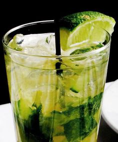 Skinny sipper #refinery29+http://www.refinery29.com/cocktail-recipes