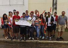 Aluna do Ifal conduz chama Olímpica e representa Penedo em revezamento da Tocha — Ifal Instituto Federal de Alagoas