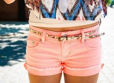 Summer outfit Coral shorts are in Looks great (coral shorts) with a patterned belt! Coral Shorts, Cute Shorts, Pastel Shorts, Peach Shorts, Short Shorts, Peach Pants, Bright Shorts, Denim Shorts, Corduroy Shorts