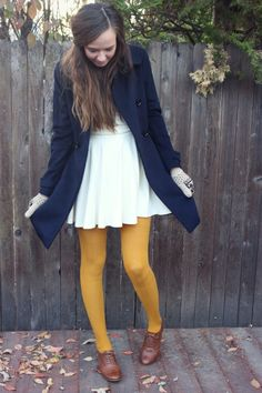 I need mustard tights this fall! Outfits Mujer, Dress Outfits, Winter Outfits, Cute Outfits, Dresses, Yellow Tights, Colored Tights, Zooey Deschanel, Tights Outfit