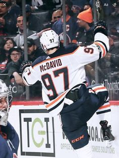 A McDavid Celly!! Connor Mcdavid, Wayne Gretzky, Edmonton Oilers, Play S, Nhl, Canes, Sports, Country, Design