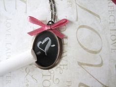 chalkboard necklace tutorial
