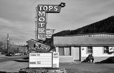 ► ¿Por qué los hoteles de carretera son comúnmente conocidos con el nombre de 'motel'? | Ya está el listo que todo lo sabe http://blogs.20minutos.es/yaestaellistoquetodolosabe/por-que-los-hoteles-de-carretera-son-comunmente-conocidos-con-el-nombre-de-motel/