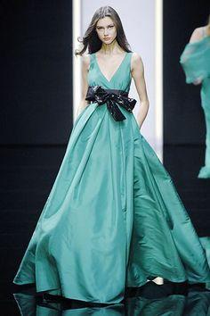 Elie Saab Spring 2008 Ready-to-Wear Fashion Show - Ksenia Kahnovich