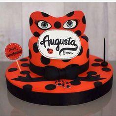Bolo lindo para o tema #ladybug que está super em alta entre as meninas! #miraculos #party #festa #bolo #cake #bolo #cakedesigner #bolodecorado #cakelpf #bololpf @lisfonsecasugar