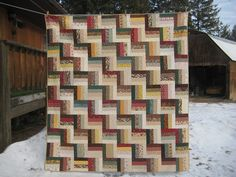 I love the colors and the pattern in this quilt.