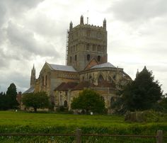 Tewkesbury Abbey, where oné of the most important battle of the Wars of the Roses took place. Edward IV. defeated Margaret of Anjou.