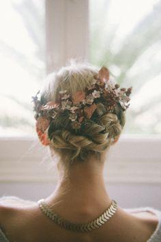 Tocado de Le Touquet {Foto, Días de vino y rosas} #headpiece #tocados #novia #bride #tendenciasdebodas