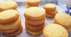 Scones, Cornbread, Bread Recipes, Muffin, Food And Drink, Sweets, Cookies, Fruit, Breakfast