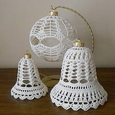 Decoupage U Edyty . Crochet Snowflake Pattern, Christmas Crochet Patterns, Holiday Crochet, Crochet Snowflakes, Crochet Doily Patterns, Christmas Knitting, Crochet Designs, Crochet Doilies, Quilted Christmas Ornaments