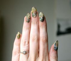 These delicate, translucent floral nails remind us of porcelain teacups. These delicate, translucent floral nails remind us of porcelain teacups. … These delicate, translucent floral nails remind us of porcelain teacups. Nail Swag, Minimalist Nails, Cute Nails, Pretty Nails, Nail Art Designs, Nails Design, Hair And Nails, My Nails, Manicure