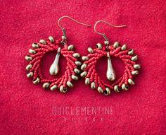 Pendientes rojos en macramé, elegantes, bohemios con metal, pendientes de micro macramé étnicos, pendientes de mujer, pendientes originales
