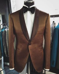 Searching for class — thegentlemansinc: Dinner Jacket Ready! Suit And Tie, Gentleman Style, Look Chic, Mode Inspiration, Wedding Suits, Dress Codes, Well Dressed, Mens Suits, Dapper