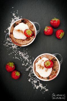Gezond ontbijt met havermout en aardbeien | Buurman & Buurvrouw #ontbijt #recept #havermout #aardbeien