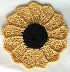 Sunflower dishcloth, or pot holder, or hot pad.