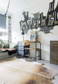 Binnenkijken: Het hele huis in dezelfde stoere stijl Teenage Room, Kids Sleep, Kidsroom, Boy Room, Cribs, New Homes, Boys, Interior, About Me Blog
