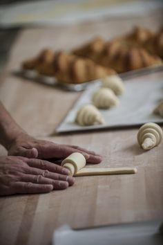 Mickaël Chesnouard's hands - croissants' shaping © Liner communication