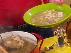 Turkey Posole recipe from Rachael Ray via Food Network Turkey Recipes, Mexican Food Recipes, Soup Recipes, Healthy Soup, Healthy Recipes, Yummy Recipes, Turkey Soup, Turkey Leftovers