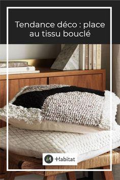 Depuis le début de l'hiver, la laine bouclée a fait irruption dans nos intérieurs. Cette tendance déco a envahi nos canapés, fauteuils, chaises et poufs. Que ce soit dans le salon, l'entrée, la suite parentale ou la chambre de bébé, découvrez notre sélection de mobilier et objet déco en laine bouclée. #tendance #deco #laine #bouclette #tissu #boucle #housse #coussin #accessoire #chambre #parentale #enfant #bebe #salon #beige #gris #noir #blanc #naturel #colorblock #graphique Plaid Laine, Poufs, Habitats, Bed Pillows, Pillow Cases, Bench, Storage, Furniture