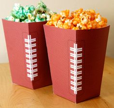 Free Football Party Printables + Homemade Stadium Snack Recipes - Great for sports themed parties ♥