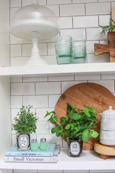 DIY: Repurpose Candle Jars into an Indoor Herb Garden. Turn your old candle jars into a beautiful and stylish indoor herb garden for the kitchen! Clean Candle Jars, Reuse Candle Jars, Old Candles, Diy Cement Planters, Diy Furniture Restoration, Best Smelling Candles, Organizing Hacks, Herbs Indoors, Diy Home Crafts