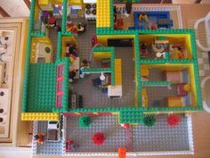 A house: A LEGO® creation by Laura Lawrie : MOCpages.com