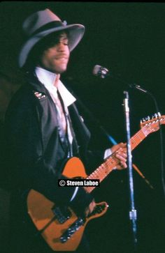 I went to Jr High with the guy that took this photo. At Sam's, now Ave Prince Images, Love My Man, Baby Prince, Roger Nelson, Prince Rogers Nelson, Purple Reign, Music Icon, Beautiful One, My Favorite Music