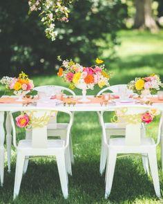 テーマカラーをビビッドに♪ 明るいウェディングのアイデアまとめ。結婚式・ブライダルの参考に☆