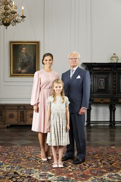 New photo of the three generations: King Carl Gustaf, Crown Princess Victoria & Princess Estelle, released on day of the announcement of changes to the Royal House Photo: Sandra Birgersdotter, The. Princess Victoria Of Sweden, Crown Princess Victoria, Prinz Carl Philip, Royal News, Swedish Royalty, Estilo Real, Queen Silvia, Royal Court, Prince And Princess