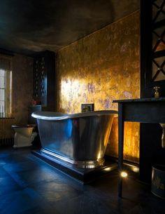 Metallic Interiors: more shiny bathroom