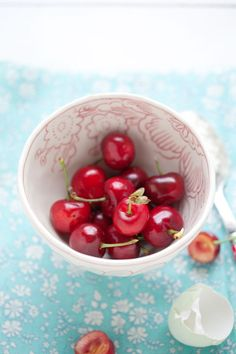 *•.♥¸.•¸.•*´♥«´¨`•°~°¨`»♥....✜ Love is a bowl of cherries ✜ ...•*(¸.•*´♥`*•.¸)`*•
