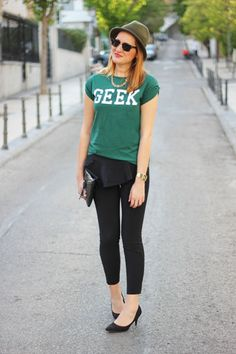 English Letters Roll Tab Sleeve T-shirt In Green   Choies