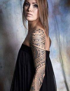 Tatouage maori façon manchette