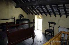 old_irish_house_bedroom.