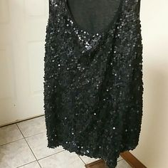 2X Sequin tank Black tank top. The front is sequin. Size 2x v.1 Couture Tops Tank Tops