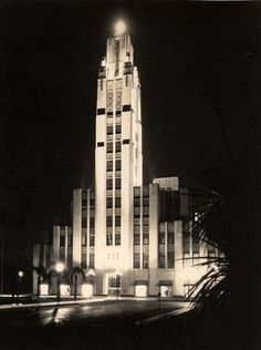 Bullocks Wilshire Building, LA 1929 (architecture example of Art Deco)