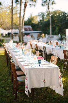 vintage tablecloths | Kt Crabb #wedding