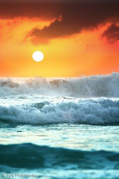 35 Mind-Blowing Ocean Landscape Photography examples - Science and Nature Ocean Beach, Ocean Waves, Ocean Sunset, Beach Sunsets, Big Waves, Beach Waves, Foto Picture, Beautiful Places, Beautiful Pictures