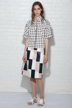 Estampados geométricos, Vestido floreado, encuentra más prendas básicas para lucir en primavera aquí http://www.1001consejos.com/prendas-basicas-para-primavera/