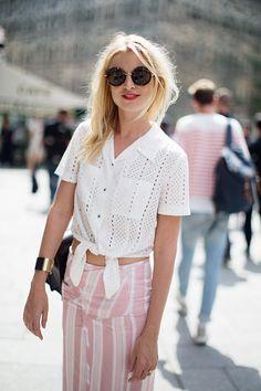 Look fresco para el verano blanco y rosa, con lino.