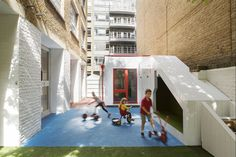 Nicholas Kirk Architects planned and executed a premier renovation for Bermondsey Community Nursery in London, England. Bermondsey Community Nursery has been transformed into a light, bright … Nook And Cranny, South London, Learning Spaces, Kid Spaces, Minimalism, Nursery, Community, Education, Building