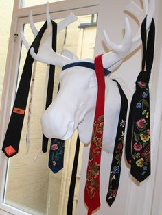 Bunadsslips - Bunad patterned ties; traditional patterns on new fashion.
