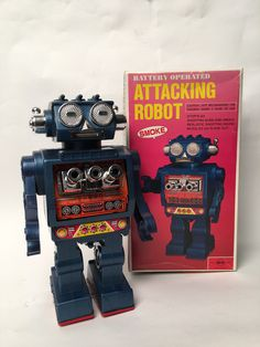 Vintage Horikawa Japan Battery Operated Attacking Robot With Smoke Vintage Robots, Retro Robot, Retro Toys, Vintage Toys, German Toys, Space Toys, Japanese Toys, Tin Toys, Classic Toys