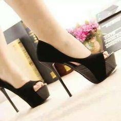 Elegant Black High Heels #SEXY SHOES #WOMEN'S SHOES #FASHION SHOES #SEXY SHOES #BEAUTIFUL SHOES #HIGH HEELS SHOES #FASHION