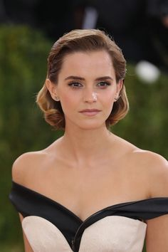 Emma Watson Rumors and News: Beauty And The Beast Trailer Amongst The Most Viewed, Attributed To Emma Watson. I believe it. You?