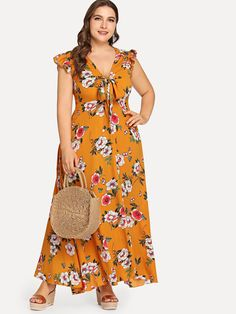 Shop Plus Frilled Shoulder Knot Plunging Floral Dress online. SHEIN offers Plus Frilled Shoulder Knot Plunging Floral Dress & more to fit your fashionable needs. Plus Size Maxi Dresses, Simple Dresses, Plus Size Outfits, Cute Dresses, Beautiful Dresses, Casual Dresses, Curvy Outfits, Fashion Outfits, Mode Turban