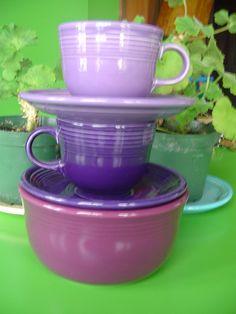 Fiesta® Dinnerware Shades of Purple: Lilac, Plum, Heather Purple Kitchen, Kitchen Colors, Kitchen Stuff, Kitchen Decor, Fiesta Ware Dishes, Vintage Dinnerware, Vintage Kitchenware, Fiesta Kitchen, Fiesta Colors